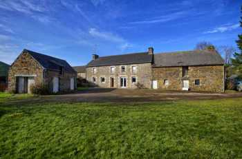 AHIB-2-DN-627 Nr Ploermel Large 4 bedroomed farmhouse with outbuildings and just under an acre