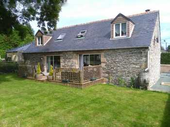 AHIB-2-JS1245718 Gourin 56110 Stunning (2 bedroomed) Barn conversion with workshop, pretty garden - near town