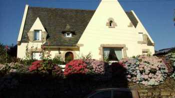 AHIB-1-ID2128 La Trinite Porhoet 56490 Handsome 5 bedroomed detached Neo-Bretonne in village centre with pretty garden