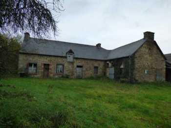 AHIB-1-ID2375 La Prenessaye Longère to completely renovate on grounds of 2128 m2