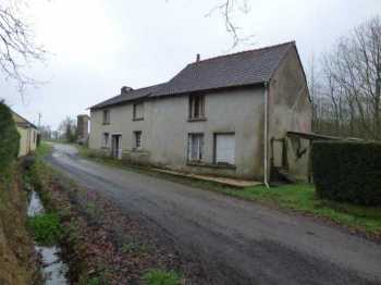 AHIB-1-ID2427 22230 Saint Vran House in need of renovation with 1040m2 grounds.