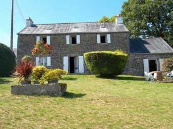 AHIB-3-M2391-29141089 Nr Loqueffret 29530 Superb rural ensemble of 2 houses with half an acre and views!