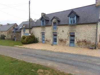 AHIB-ME-1696 Lizio 56460 Delightful 5 bedroom house in hamlet setting with 1225m2 garden with garage.