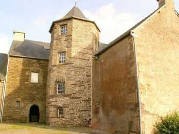AHIB-2-MF884-DM56 Ploërmel Rare Renaissance Manor on 5 Ha (possible more and coppice).