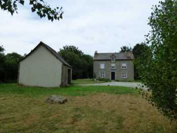 AHIB-1-ID2202 Gomene La Garenne 22230 4 bedroom detached house with 3700m2 garden