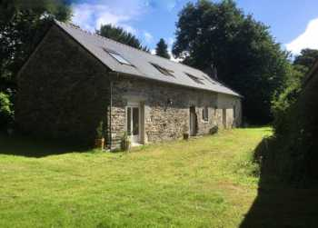 AHIB-2-JS4675463 Gourin 56110 Quality 4 bed longère, open barn, stone stores, 1 hectare of grounds