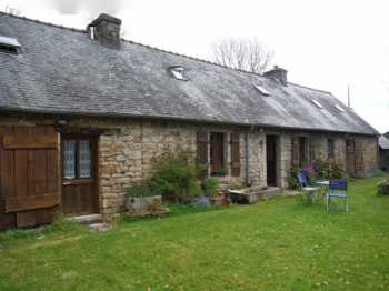AHIB-2-JS4962951 Scaer 29390 Reduced by €20k ! Beautiful Breton hideaway-3 bed longere, 1 bed studio & outbuildings. Negotiable.