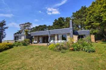 AHIB-2 DN-583 Near Lorient 56100 - Large villa with 5 bedrooms 600metres from the beach with 6500m garden