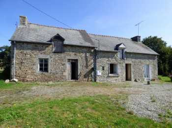 AHIB-1-ID2305: Plemet, Cotes d'Armor • Longere & Outbuilding for continued Renovation on 5,358m2 of land