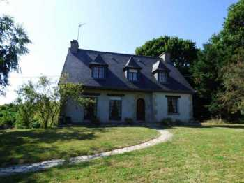 AHIB-1-ID2279 - Illifaut 22230 Pretty 4 bedroom neo - bretonne on complete basement.