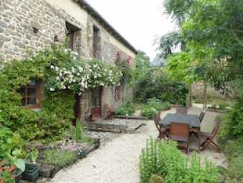 AHIB-1- BB10213-SP Plouasne 22830 Delightful Detached 4 bedroomed cottage on 7633m2 land next to the Rance...