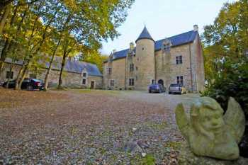 AHIB-2-DN-612 Near PONTIVY – Renovated 17th century manor house with 14 acres.
