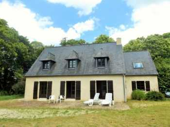 AHIB-1-AM Plouasne 22830 This superb 4 bedroom house, 19080 meters of land and woodland.