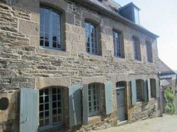 AHIB-3-mon1831 Morlaix 29600 4 bedroomed (+ one in outbuildiing/garage) townhouse with lovely walled garden