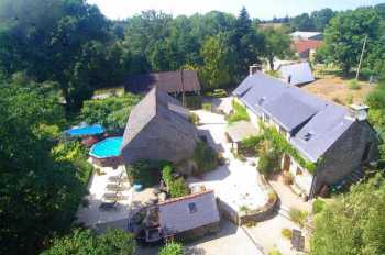 AHIB-2-DN-560 Baud 56150 Superb property with main house, cottage, outbuildings, 2 pools and 1 & ¼ acres