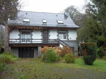 AHIB-3-M2048-2914882 Huelgoat 29690 4/5 bedroomed Attractive house in a beautiful environment, facing the forest in the village of Huelgoat!