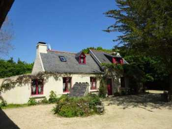 AHIB-3-mon1876 Near Locquenole 29670 Rare! Secluded 3 bedroomed (one on ground floor) detached house with 6199m2
