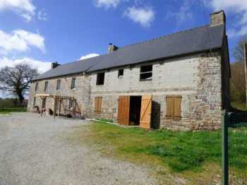 AHIB-1-ID1605 Plemet 22210 Detached 3 bedroom Longère with barns and 6973m2 grounds