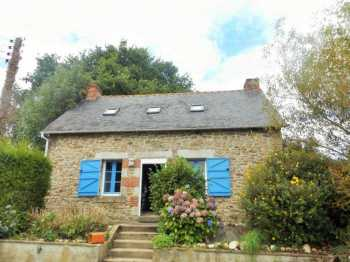 AHIB-1-AM Kergrist Moelou 22110 Former Hunting Cottage with 2 bedrooms and 1550m2 garden