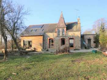 AHIB-1-PI-1400 Plumieux 22210 Detached 4 bedroom house with 12000m2 with a small lake