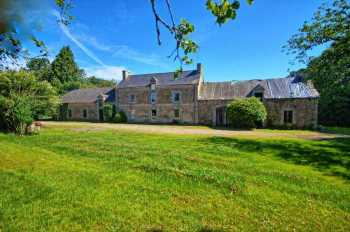 AHIB-2-DN-554 Naizan Between Pontivy and Josselin 56500 - Superb detached farmhouse renovation project with 3 acres
