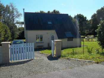 AHIB-3-M2180-2914960 Locqueffret 29530 Contemporaine 3 bedroom village house with 1.4 hectares of land, plus a garage!