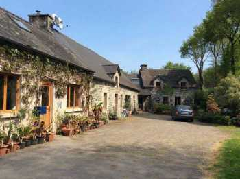 AHIB-2-YL-2225 Rohan 56580 Charming 4 Bed Stone House with 2 Bed Cottage and 13541 m² grounds with stream, pond, pasture  near the Nantes Brest Canal